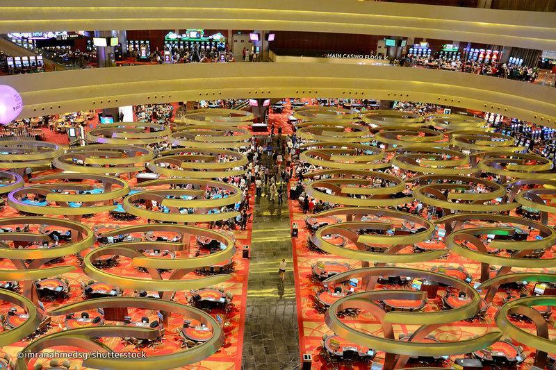 Casino ở Marina Bay Sands là sòng bài lớn nhất ở Singapore