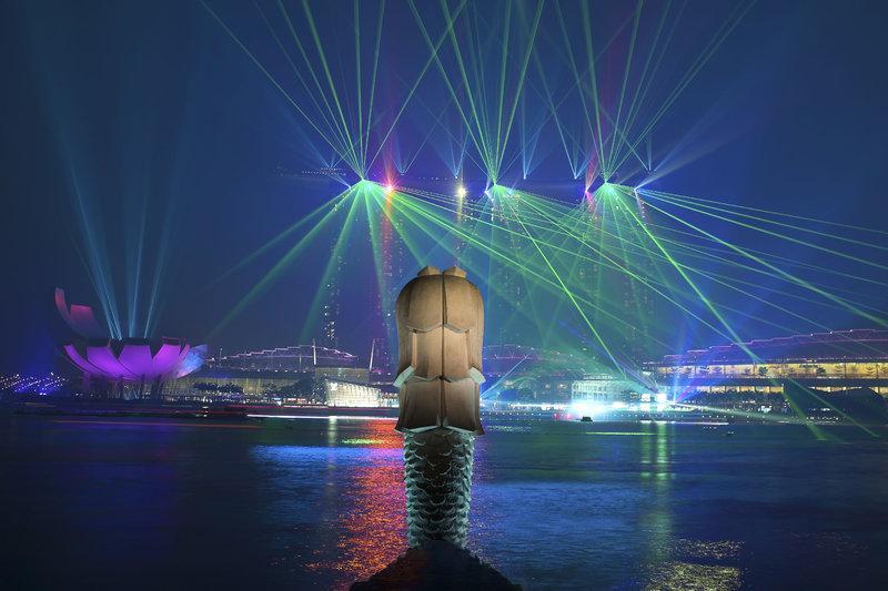 show diễn ánh sáng ở Marina