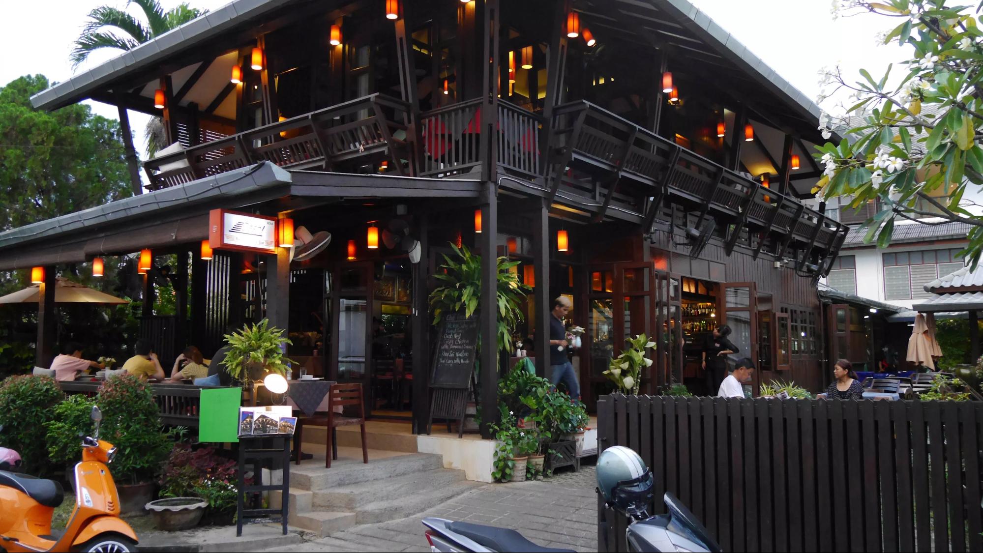 Nhà hàng Dash Restaurant