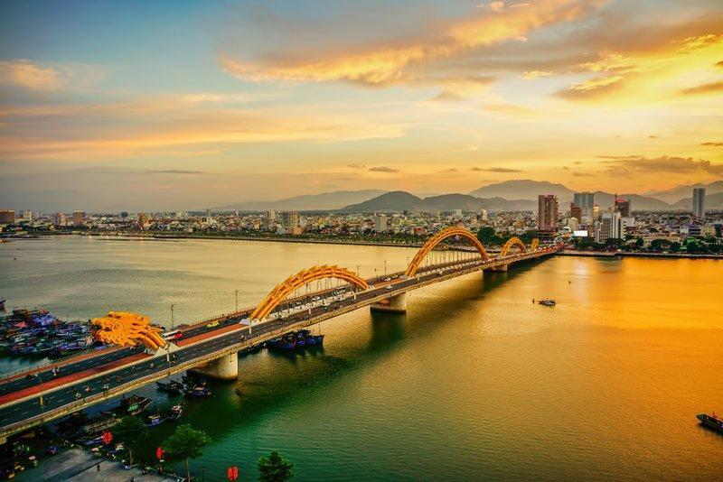 Sông Hàn về đêm và các cây cầu nổi tiếng