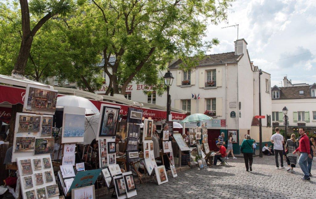 mua gì ở Paris? Đặc sản Tranh Place du Tertre