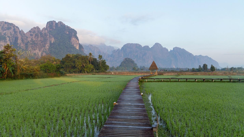 Tham quan thị trấn Vang Viêng