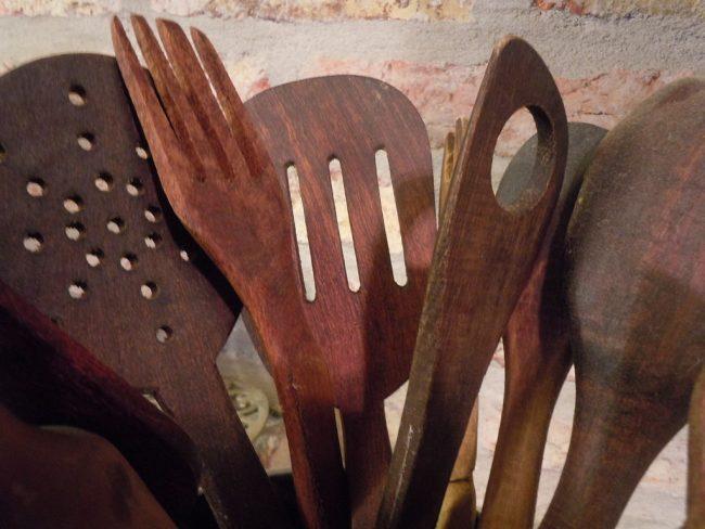 Dụng cụ làm bếp bằng gỗ