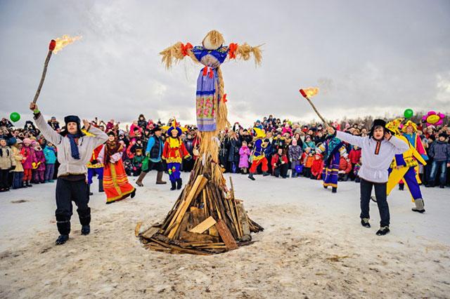 Lễ hội tiễn mùa đông ở nước Nga