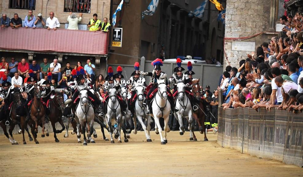 Lễ hội đua ngựa Palio