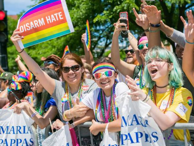 Lễ diễu hàng Pride LGBT