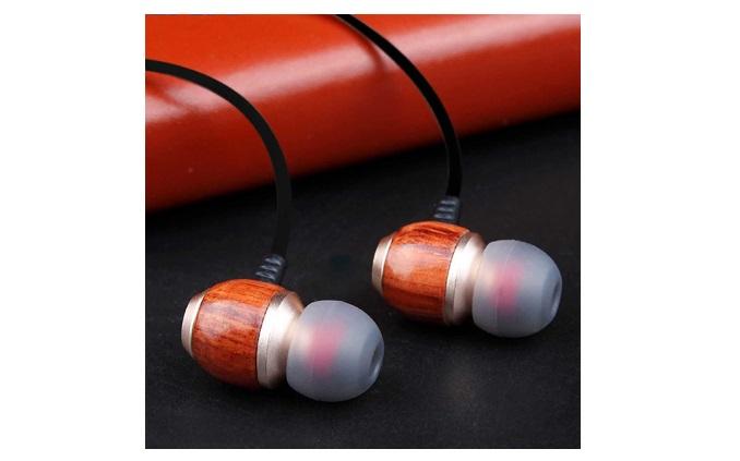 BassWoods in-ear headphone