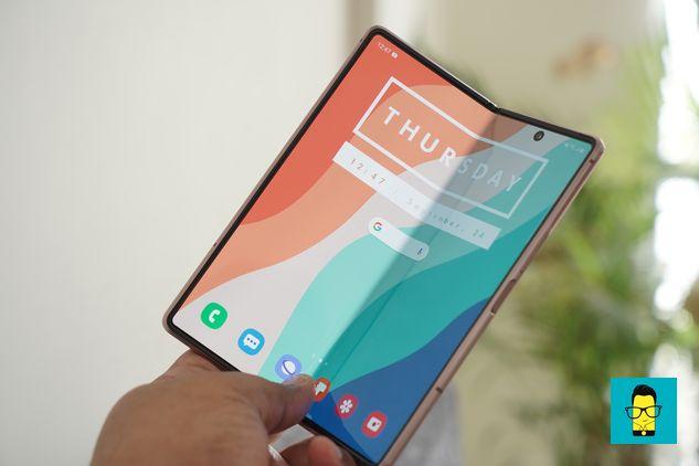 Samsung Galaxy Z Fold 2 – 12