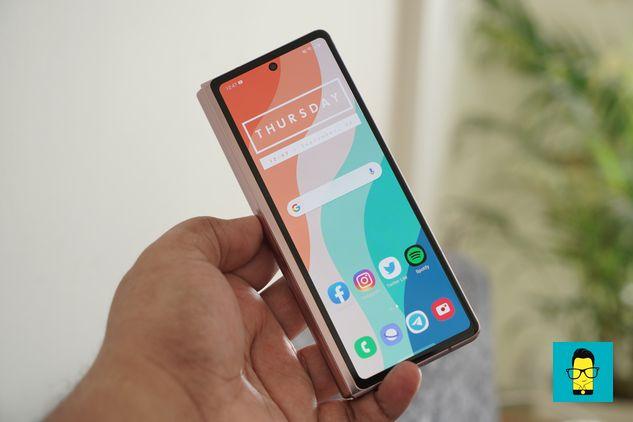 Samsung Galaxy Z Fold 2 – 13